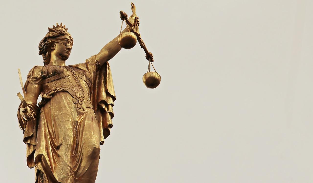 justitia-2597016_1280